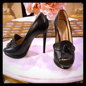 Nicholas Kirkwood Black Peep-Toe Heels